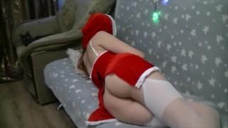 Amatőr Tini Lány Karácsonyi Jelmezben Kelleti Magát Fiújának